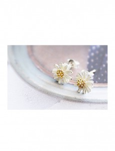 <br> Blossom Flower earring <br> <b><font color=#253952>ACC 2nd place</font></b>