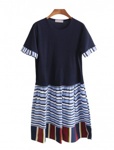 <br> Stripe color combination Dress shop window <br><br>