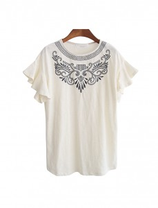 <br> Rococo embroidery Freel Tee <br><br>