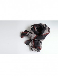 <br> Herringbone line color combination scarf <br><br>