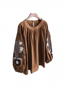 <br> Balloon Sleeve Blouse Embroidery Flower <br><br>