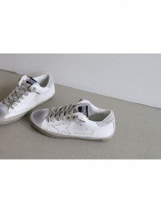 <br> Punching Golden Star Sneakers <br><br>