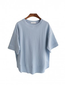 <br> Collectible value incision line Tee <br> [Not returned or exchanged;