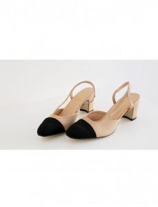 <br> Coco color combination middle heel <br><br>