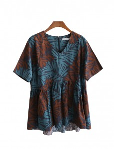 <br> Palm tree printing V-neck Blouse <br> <b><font color=#253952>Blouse 1st place item</font></b>