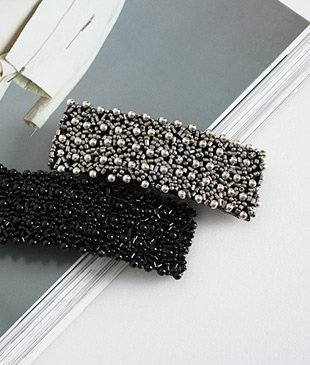 <br> Square Beads large pin <br><br>