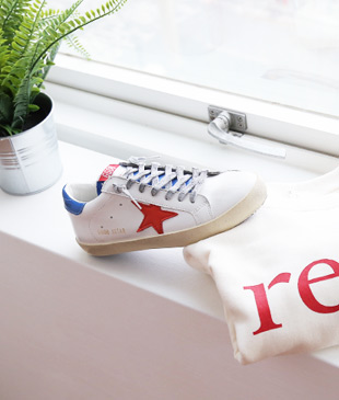 <br> Golden Red Point Sneakers <br><br>