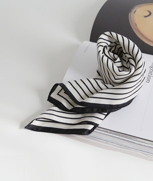 <br> Stripe scarf <br><br>