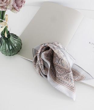 <br> Etro key point scarf <br><br>