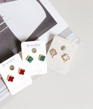 <br> Color leaf earring <br><br>