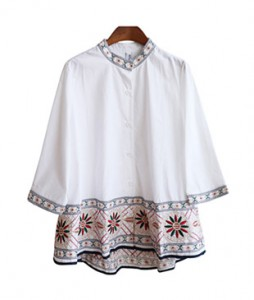 <br> Embroidery line Blouse <br><br>