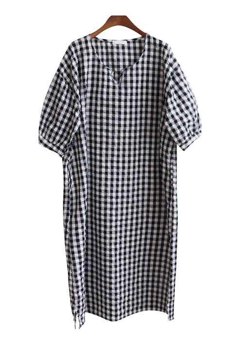<br> Cool High-slit Dress <br><br>