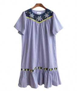 <br> Flower Embroidery Stripe Dress <br><br>