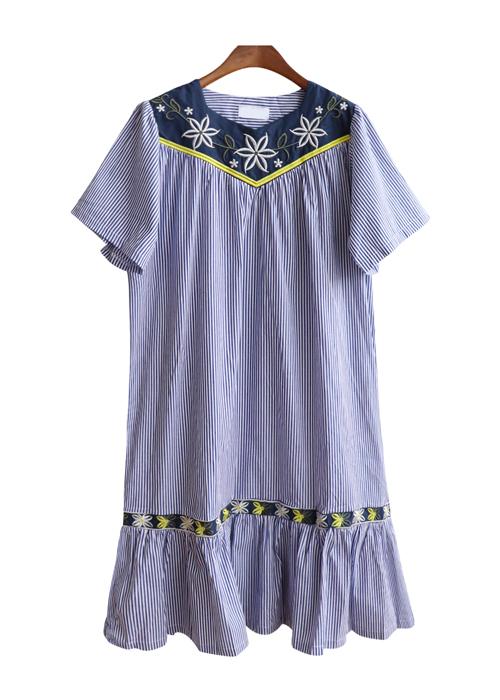 <br> Flower Embroidery Stripe Dress <br><br>