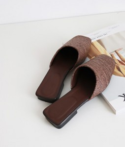 <br> Ratan Mule Slippers <br><br>