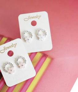<br> Flower key point cubic ring earring <br><br>