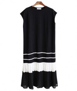 <br> White key point Black Dress <br> [Not returned or exchanged;