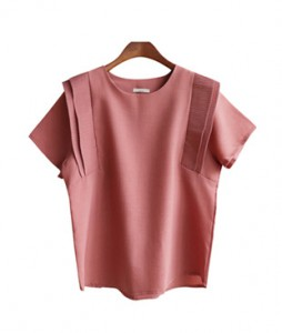 <br> Shoulder Pleats key point blouse <br> <b><font color=#253952>2nd place blouse</font></b>