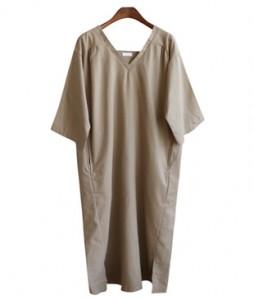 <br> J-V-neck Shirring Dress <br><br>