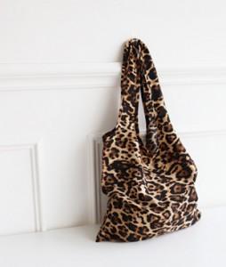 <br> Leopard Fabric Bag <br><br>