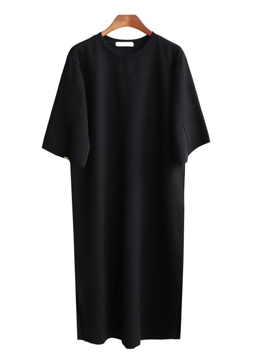 <br> Solid material Long dress <br> <b><font color=#253952>2nd place dress</font></b>