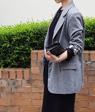 <br> Lovely herringbone jacket to the inside <br><br>