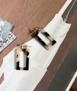 <br> Leopard Square earring <br><br>