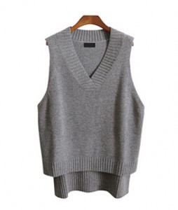 <br> V-neck unfold Knit Vest <br><br>