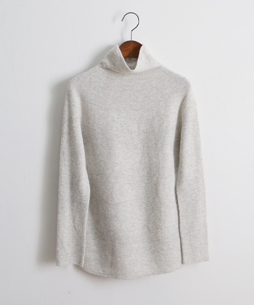 <br> Neck Line Natural Holgate Paula Knit <br><br>
