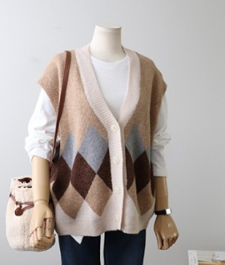 <br> diamond Boxy vest <br> <b><font color=#253952>The knit third place product</font></b>