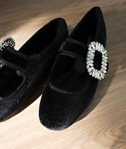 <br> cubic Banding Velvet Flat <br> <b><font color=#253952>1st item of shoes</font></b>