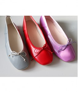 <br> Vivid color bowknot flat <br> <b><font color=#253952>1st item of shoes</font></b>