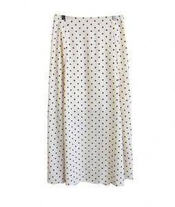 <br> Dot skirt with back bending <br> <b><font color=#253952>Skirt 4th item</font></b>