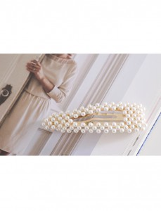 <br> Bubble pearl pin <br><br>