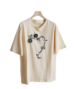 <br> Corsage Embroidery Short-sleeve Tee <br><br>