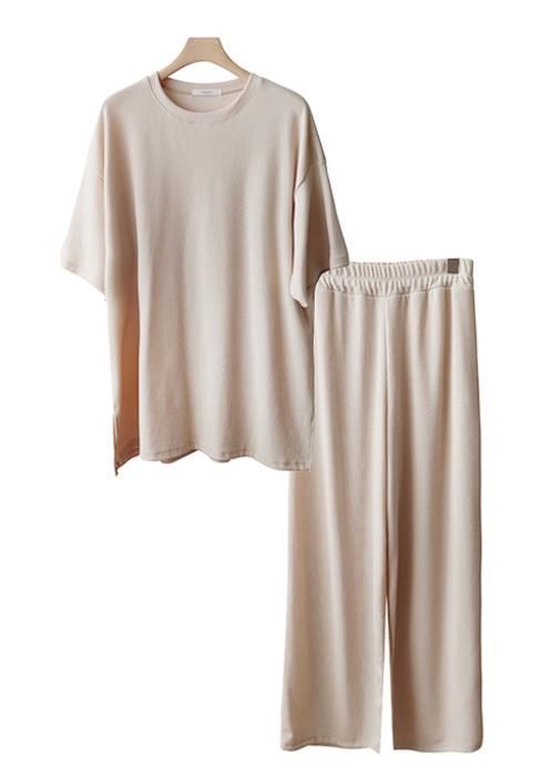 <br> Corrugated Corrugated Set <br> <b><font color=#253952>3rd Dress</font></b>