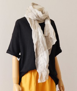 <br> Cool Linen Check Scarf <br><br>