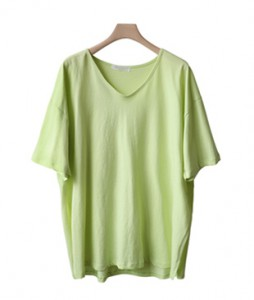 <br> I want to wear loose V-neck Tee every day <br><br>