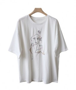 <br> Queen Embroidery Tee <br><br>