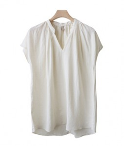 <br> Seine cap sleeve shearing Blouse <br><br>