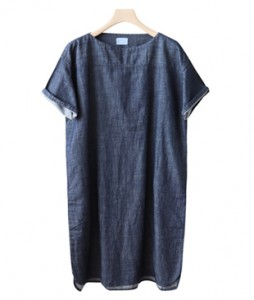 <br> Lip Neck Soft Denim Dress <br><br>