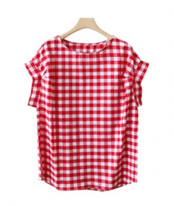 <br> Retail Pinch Check Blouse <br><br>