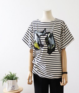 <br> Brand patch uneven line Tee <br><br>