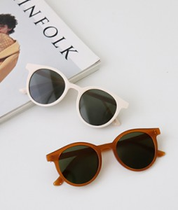 <br> Fashion sunglasses <br> <b><font color=#253952>ACC 1st item</font></b>