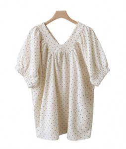 <br> Sheep's V-neck Dot Blouse <br><br>