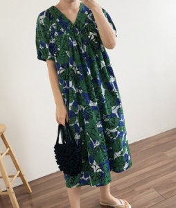 <br> Leaf V-neck Dress <br><br>