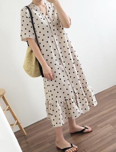 <br> Bonn Dot Shirring Long Dress <br><br>