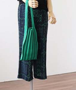 <br> Knit Pleats Bag <br><br>