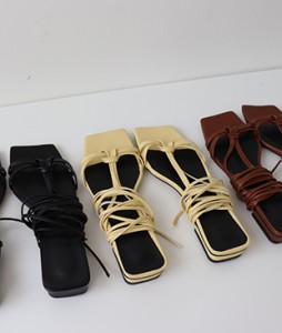 <br> two-way sandals <br><br>