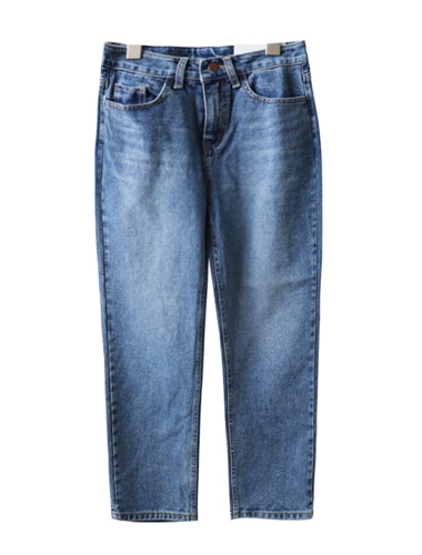 <br> And semi Baggy Denim Pants <br><br>